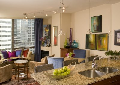 Bijoux Pied-a-Terre Living Room and Kitchen